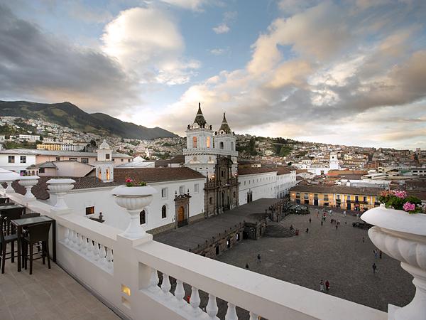 plaza-de-san-francisco-quito-ecuador_61105_600x450