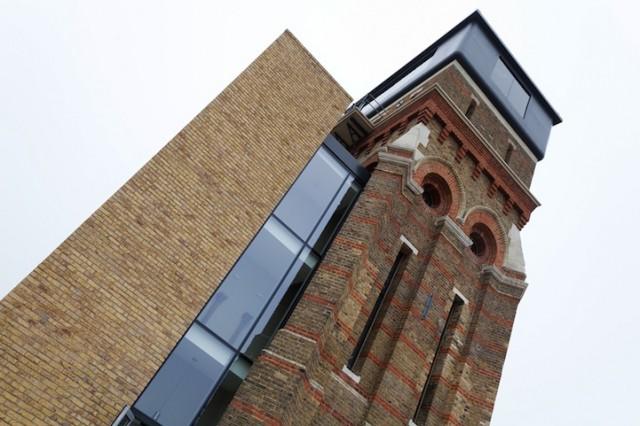 Tower-Modern-Residence11-640x426