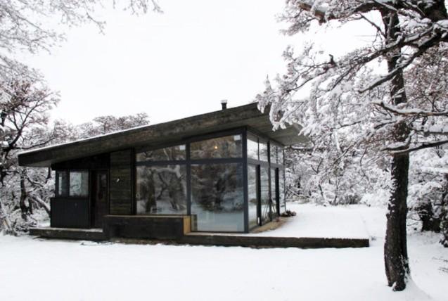 509b3d79b3fc4b2c55000067_cabur-house-n-made-architects_1-1000x672