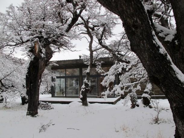 509b3d86b3fc4b2c55000069_cabur-house-n-made-architects_4-1000x751