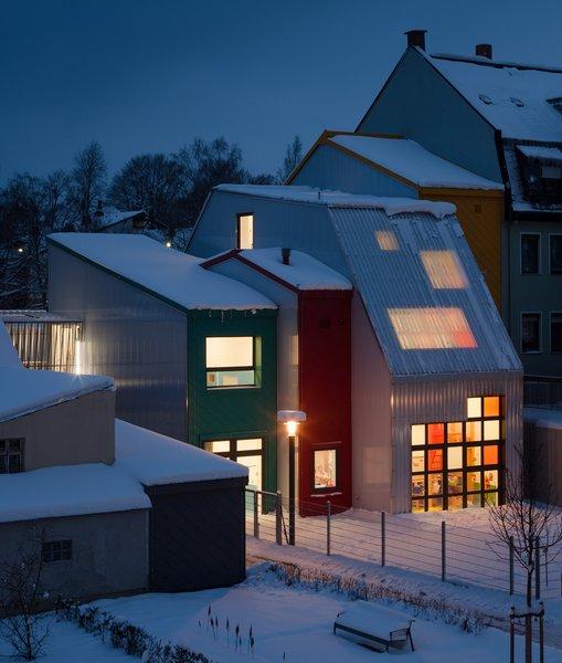 713-15-gutierrez-delafuente-arquitectos-tallerde2-arquitectos-centro-de-dia-para-ninos-haus-der-tagesmutter-en-selb-alemania-selb-ale