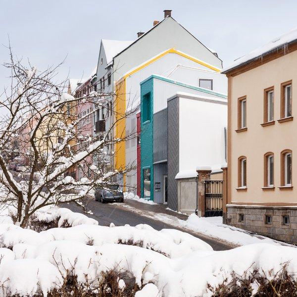 713-30-gutierrez-delafuente-arquitectos-tallerde2-arquitectos-centro-de-dia-para-ninos-haus-der-tagesmutter-en-selb-alemania-selb-ale