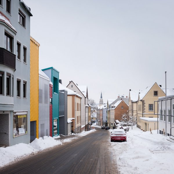713-31-gutierrez-delafuente-arquitectos-tallerde2-arquitectos-centro-de-dia-para-ninos-haus-der-tagesmutter-en-selb-alemania-selb-ale