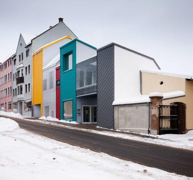 713-35-gutierrez-delafuente-arquitectos-tallerde2-arquitectos-centro-de-dia-para-ninos-haus-der-tagesmutter-en-selb-alemania-selb-ale